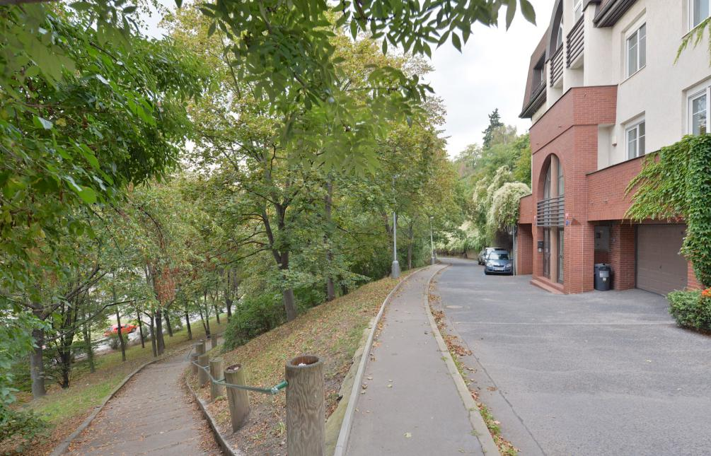 HOUSE FOR RENT, street U dvou srpů, Prague 5 - Smíchov