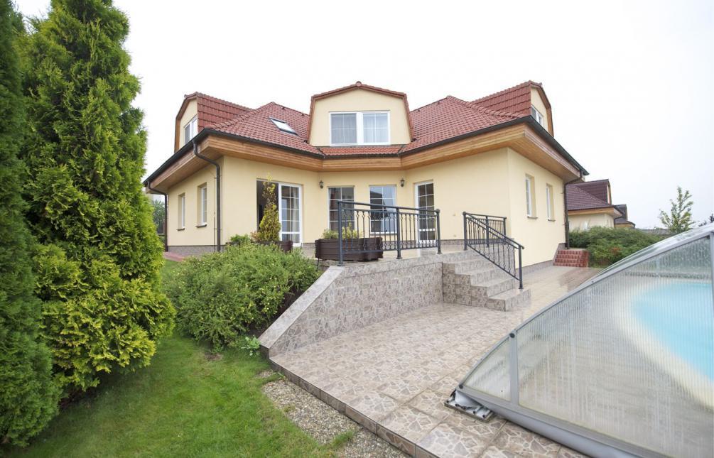 HOUSE FOR RENT, street Nad Helmrovkou, Prague 6 - Lysolaje