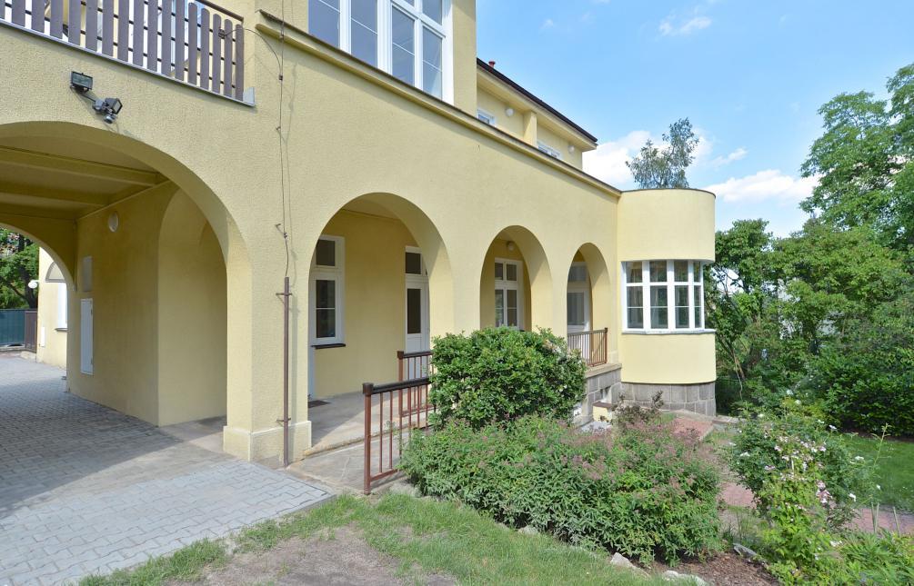 HOUSE FOR SALE, street Nad Buďánkami II, Praha 5