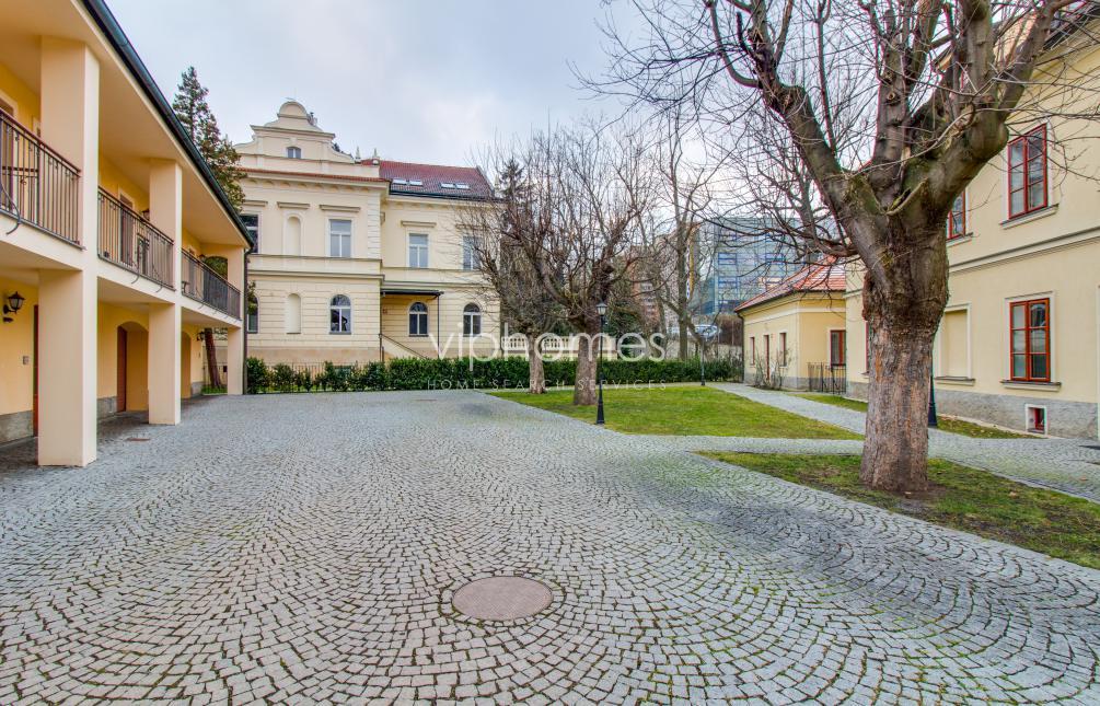 VILA  FOR RENT, street Ke Dvoru, Praha 6