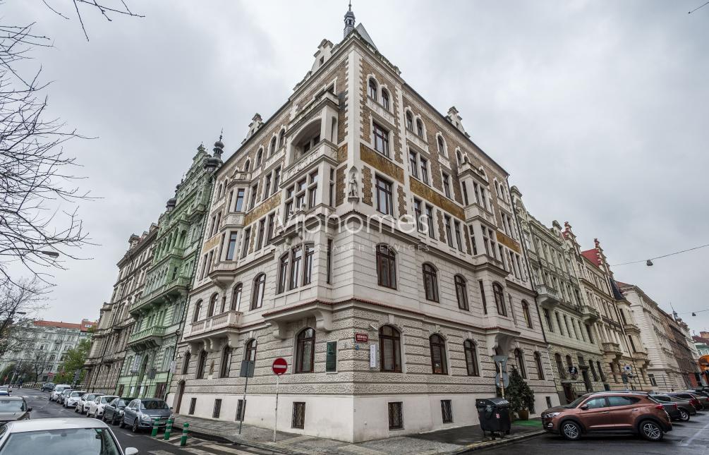 BYT K PRONÁJMU, ul. Janáčkovo nábřeží, Praha 5 - Smíchov