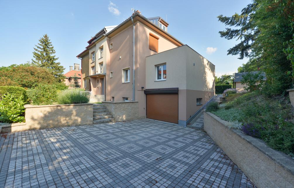 HOUSE FOR RENT, street Na Viničních horách, Praha 6 - Dejvice