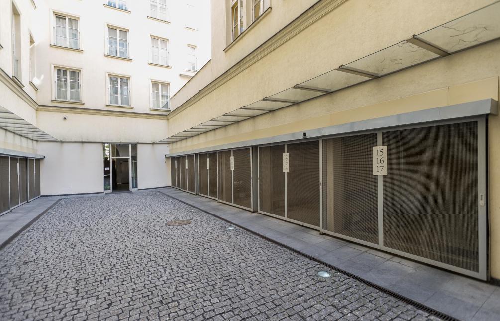 APARTMENT FOR RENT, street Senovážné náměstí, Praha 1