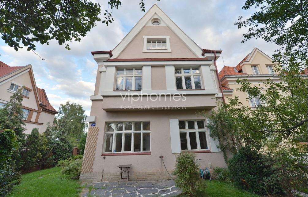 SEMI-DETACHED HOUSE FOR SALE, street Hermelínská, Praha 6