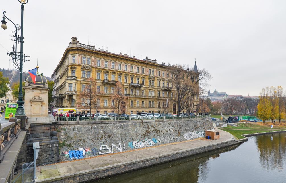 APARTMENT FOR RENT, street Malostranské nábřeží, Praha 1