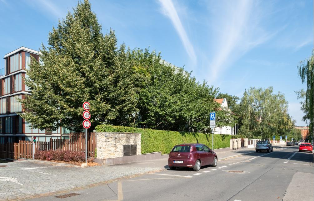 APARTMENT FOR RENT, street Charlese de Gaulla, Praha 6 - Bubeneč