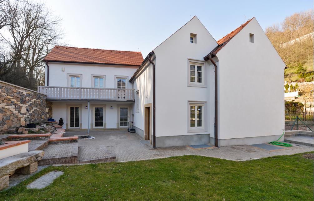 HOUSE FOR RENT, street V Podbabě, Praha 6