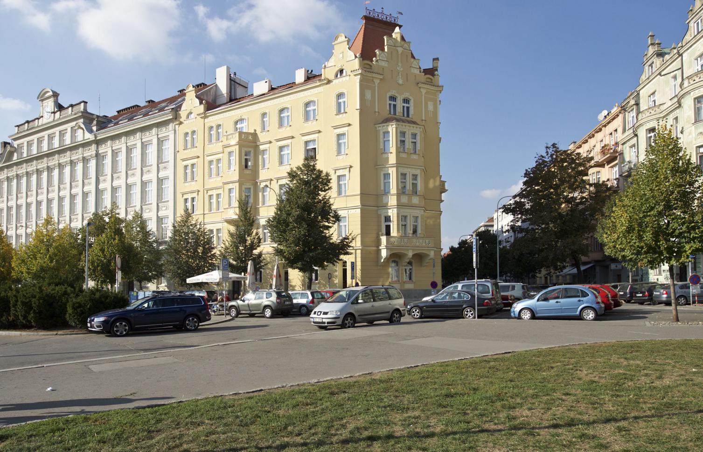 APARTMENT FOR RENT, square Jiřího z Poděbrad, Praha 3 - Vinohrady