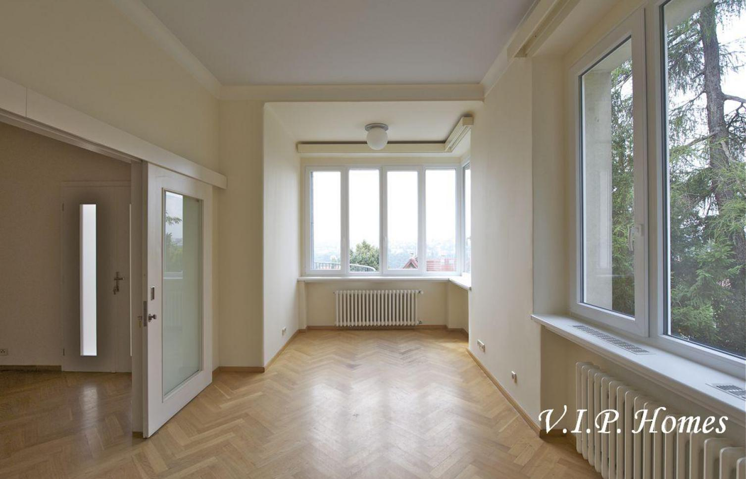 HOUSE FOR SALE, Str. Na Hřebenkách, Prague 5