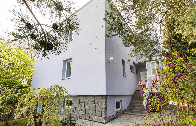 HOUSE FOR RENT, street V Sídlišti, Praha 6