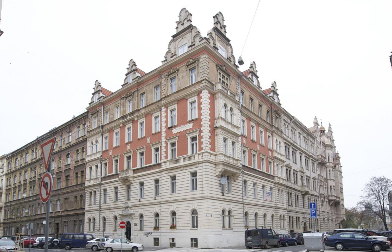 APARTMENT FOR SALE, Str. Zborovská, Praha 5 - Smíchov