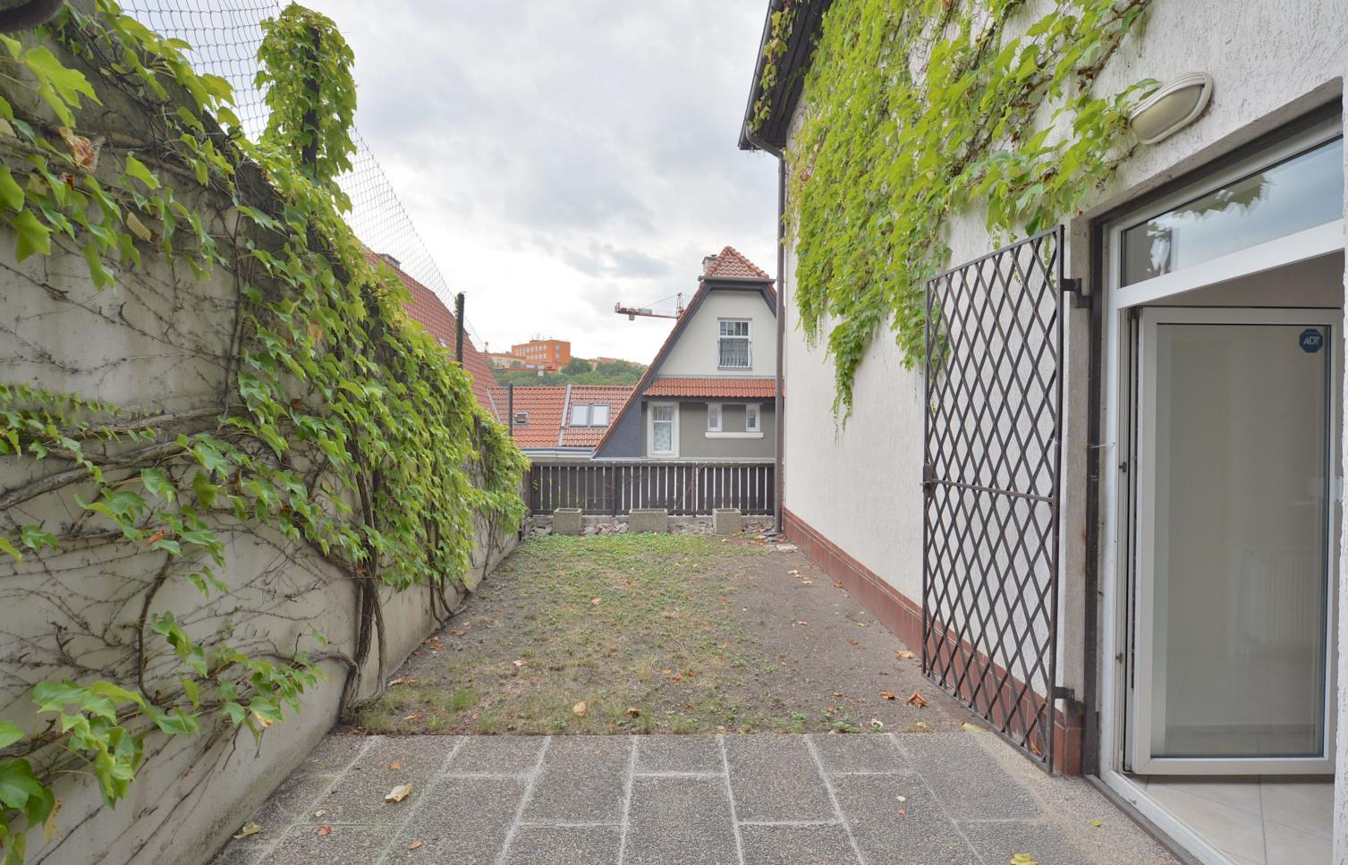 HOUSE FOR RENT, street U dvou srpů, Prague 5 - Smíchov