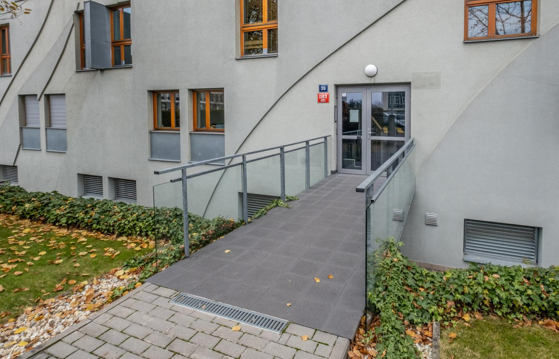 APARTMENT FOR RENT, street Na Hřebenech II, Praha 4 - Podolí