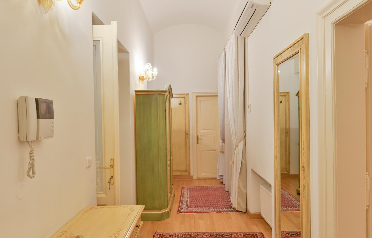 APARTMENT FOR RENT, street Truhlářská, Prague 1 - New Town