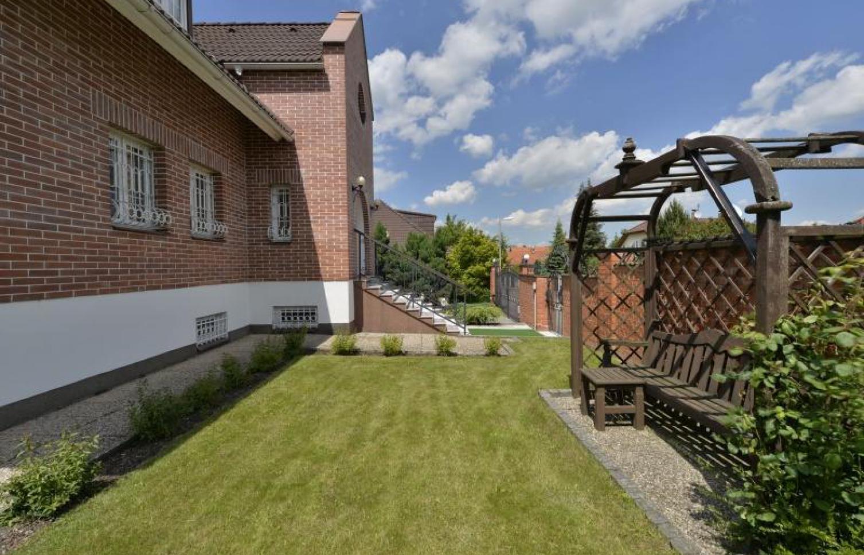 HOUSE FOR RENT, street V Zahradách, Horoměřice
