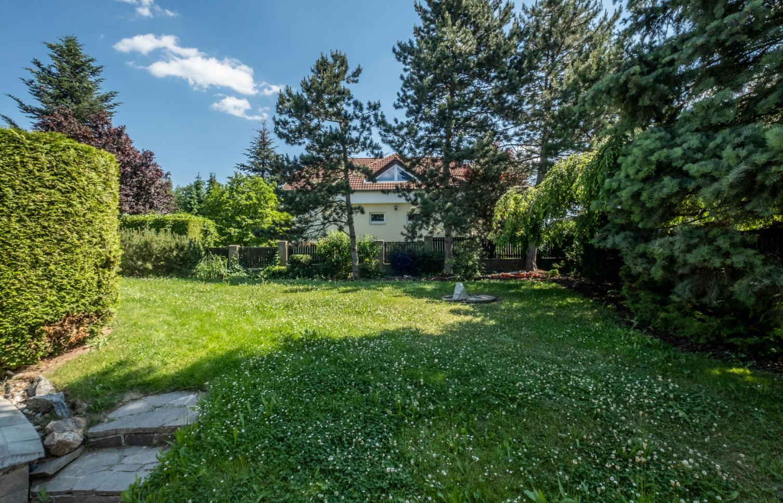 HOUSE FOR RENT, ul. Javorová, Průhonice