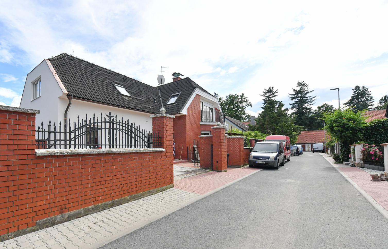 HOUSE FOR RENT, street Šeříková, Průhonice