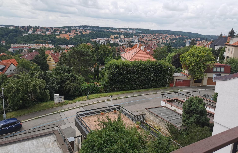HOUSE FOR RENT, street Pod Hybšmankou, Prague 5 - Smíchov