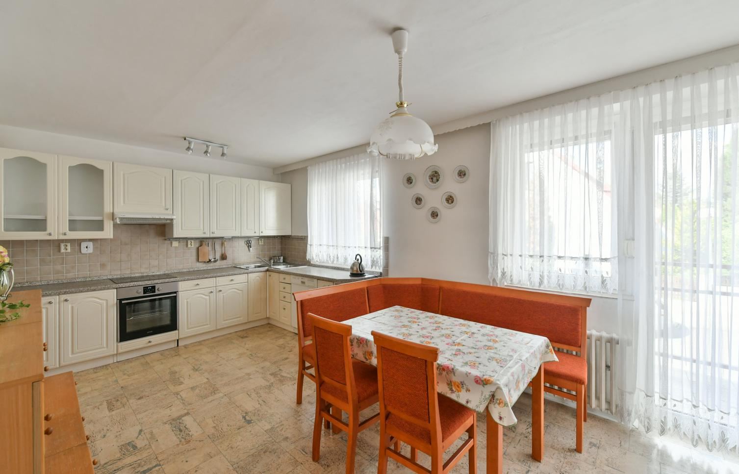 TOWNHOUSE FOR RENT, street Na Fialce I, Praha 17