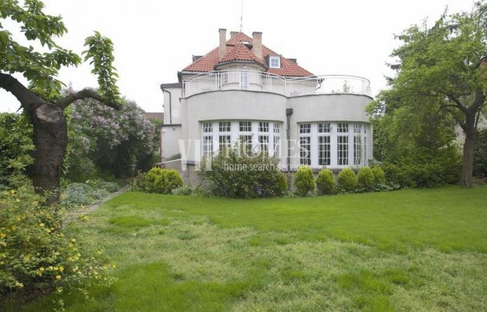 HOUSE FOR SALE, Prague 6 - Střešovice