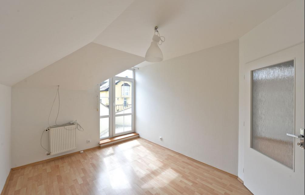 HOUSE FOR RENT, street U Albrechtova vrchu, Prague 5 - Stodůlky