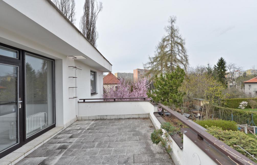 HOUSE FOR RENT, street U lázní, Praha 4 - Lhotka