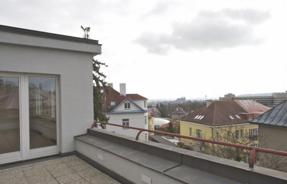 HOUSE FOR RENT, Ke Kuthence, Prague 6 - Dejvice