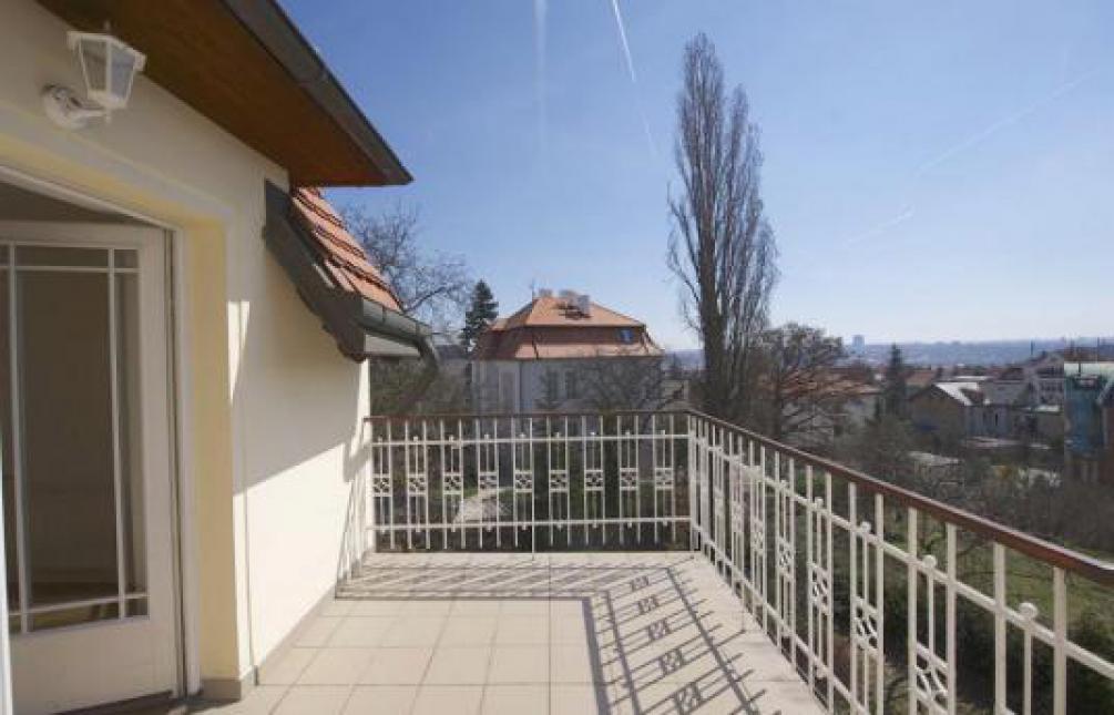 HOUSE FOR RENT, street U Nesypky, Praha 5 - Smíchov